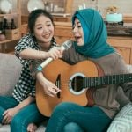 How to Sing and Play Guitar at the Same Time – 10 Actionable Tips