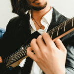 6 Essential Guitar Scales for Beginners