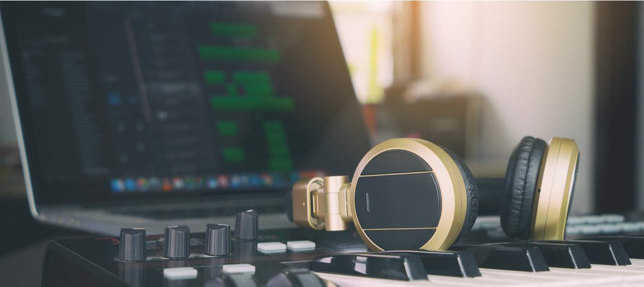 Best DAW Software for Beginners (Easy and Effective)